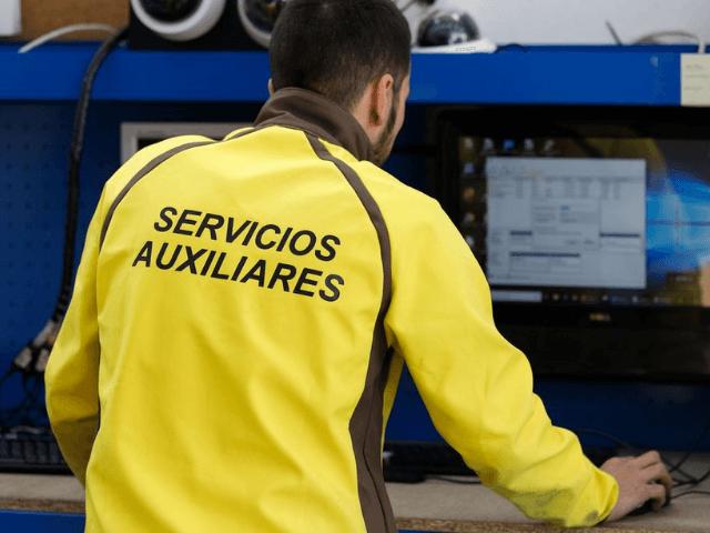 Auxiliares de Servicio en Málaga